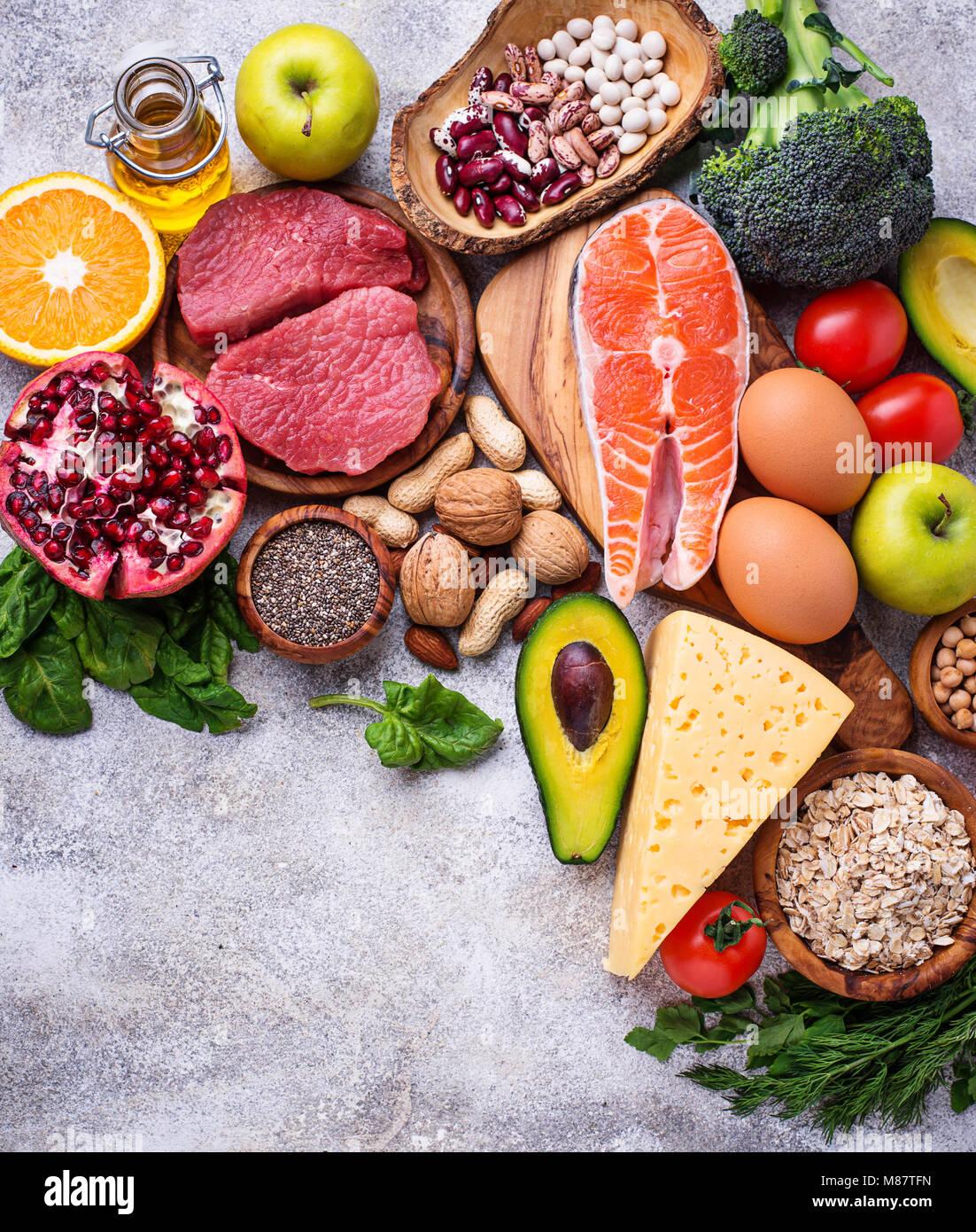 Los alimentos orgánicos para una nutrición sana y fuentes alimenticias Imagen De Stock