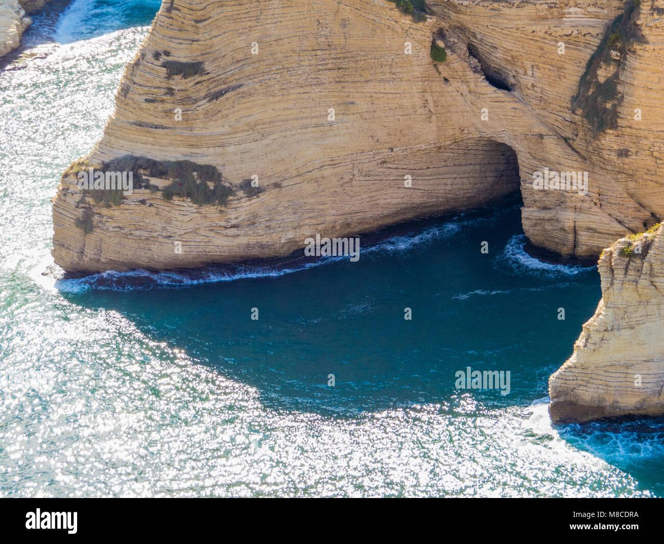 Vista de las palomas de rocas en Beirut, Líbano Imagen De Stock