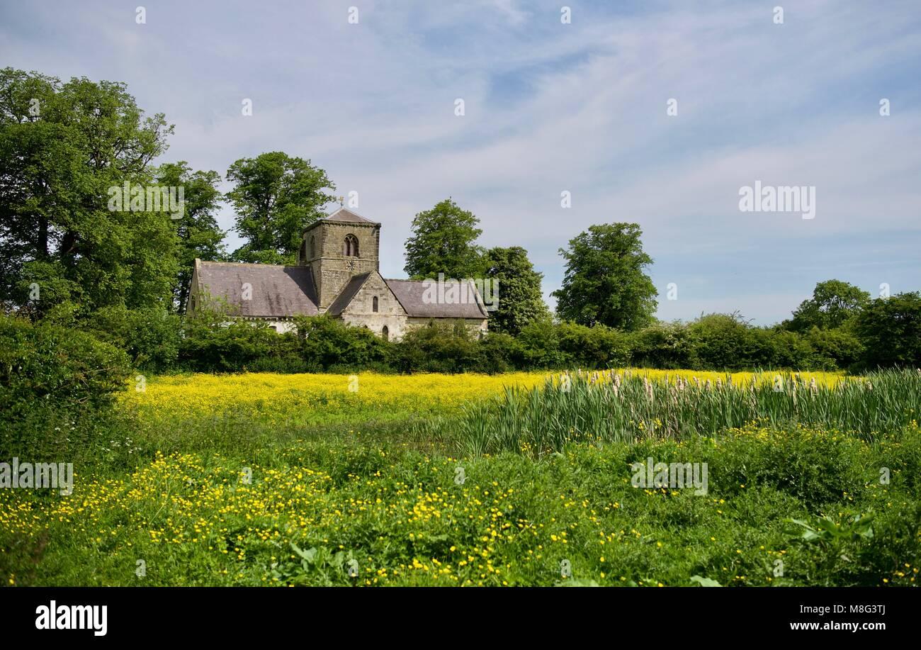 Iglesia de la aldea de Yorkshire Foto de stock