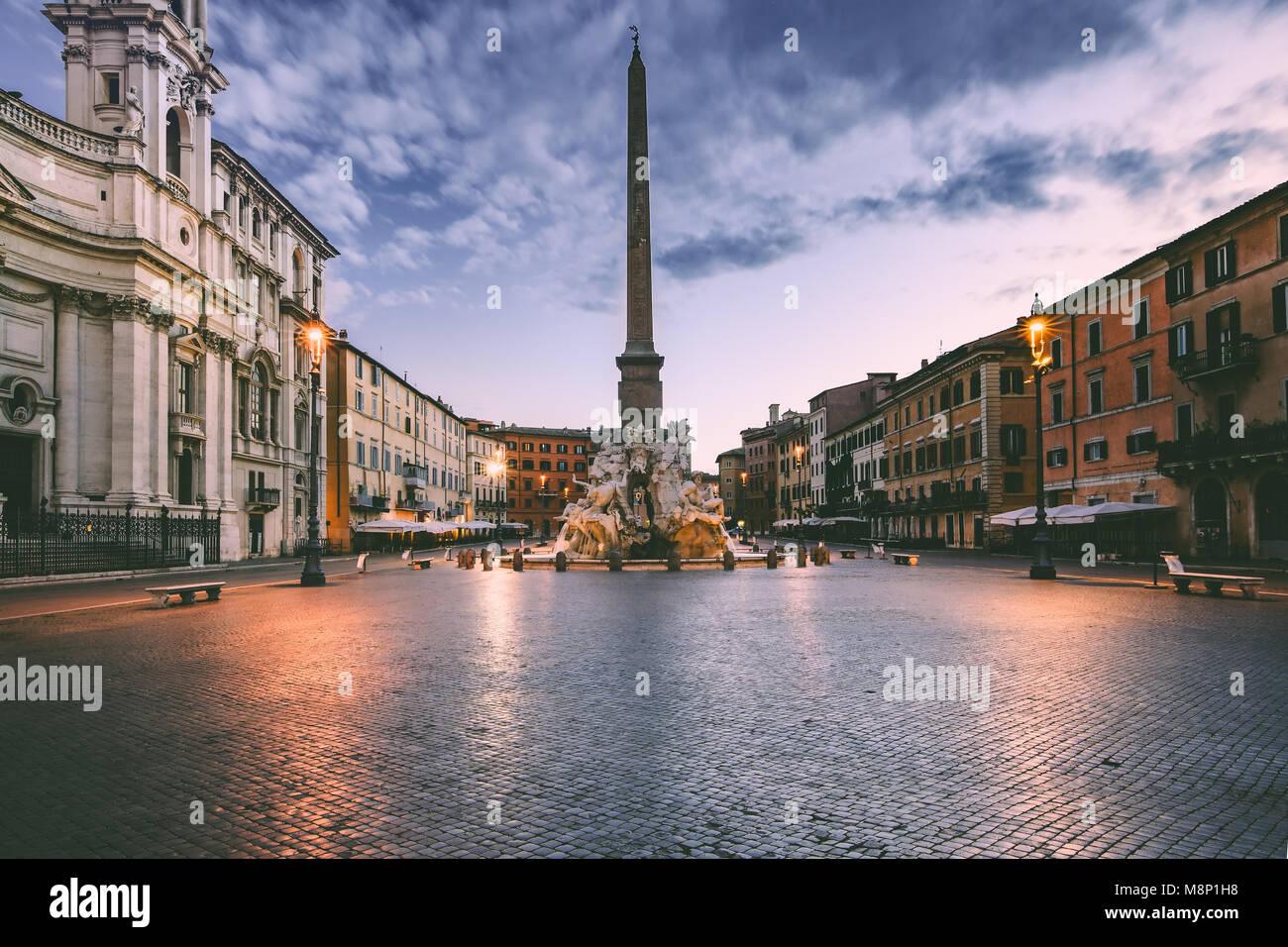 Piazza Navona en la mañana, Roma, Italia. Imagen De Stock