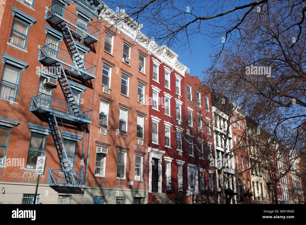 East Village New York City Imágenes De Stock & East Village New York ...