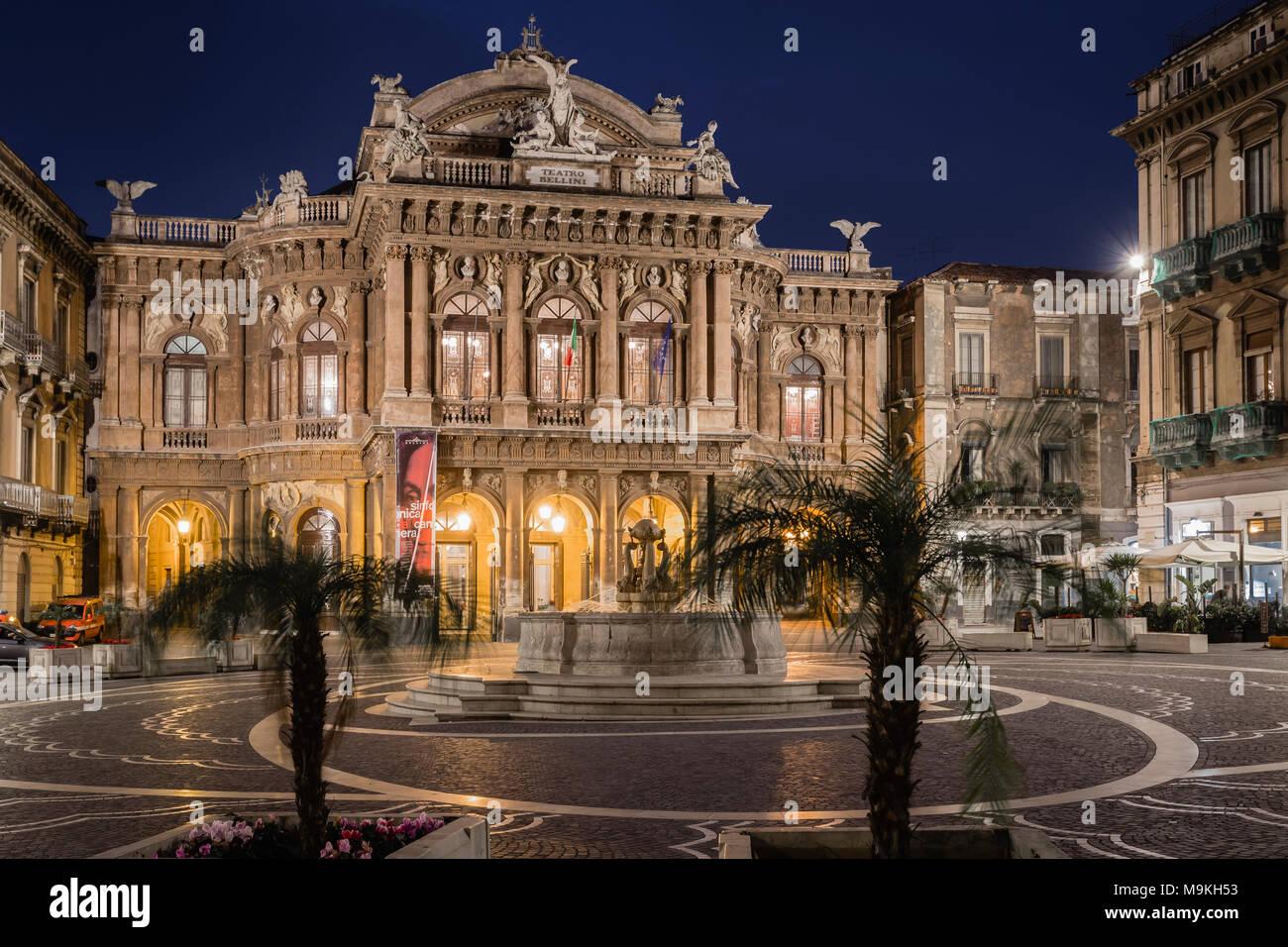 Teatro Bellini en Catania, Sicilia, Italia. Imagen De Stock