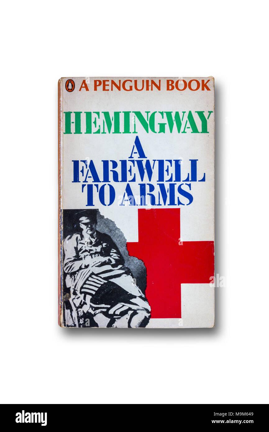 "Ernest Hemingway novela ""Adiós a las armas' Imagen De Stock"