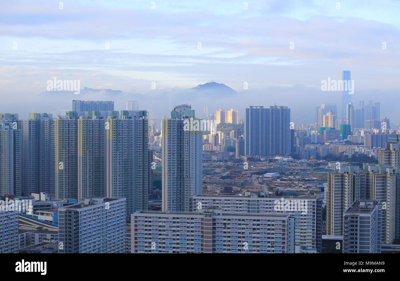 Paisaje neblinoso en Hong kong Foto de stock
