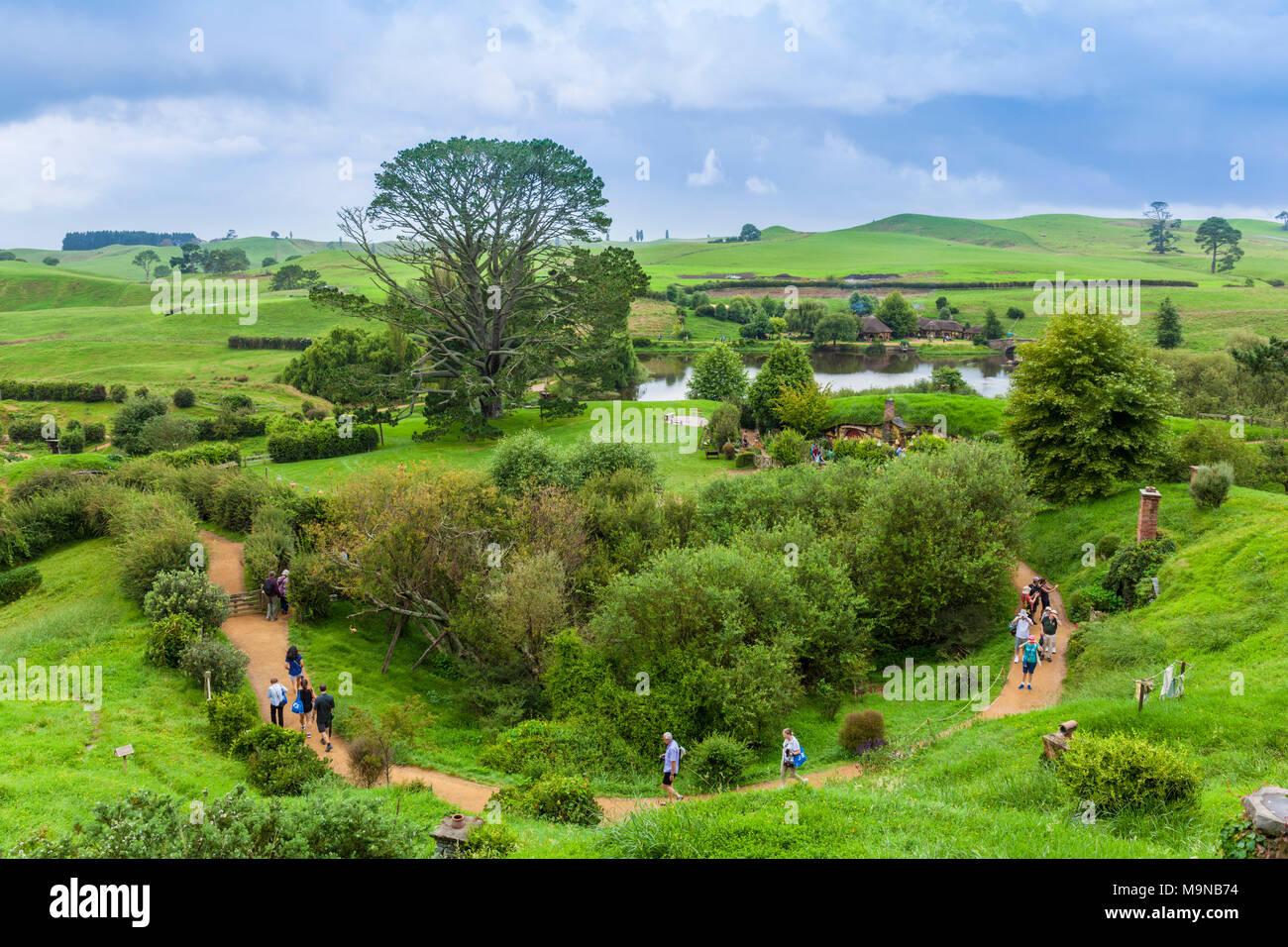 Nueva Zelanda Nueva Zelanda Matamata Hobbiton Hobbiton plató aldea ficticia de Hobbiton en la comarca de El Hobbit y el señor de los anillos libros Foto de stock