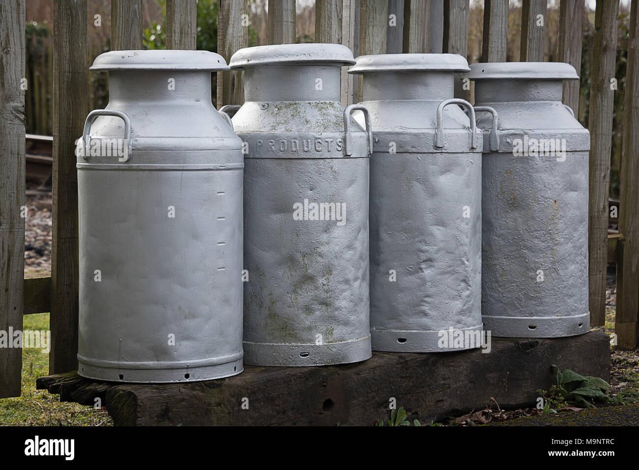 Metal Milk Container Imágenes De Stock Metal Milk