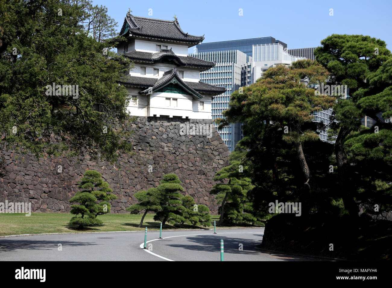 Mantener Yagura Fujimi del Palacio Imperial, Tokio, Japón Foto de stock
