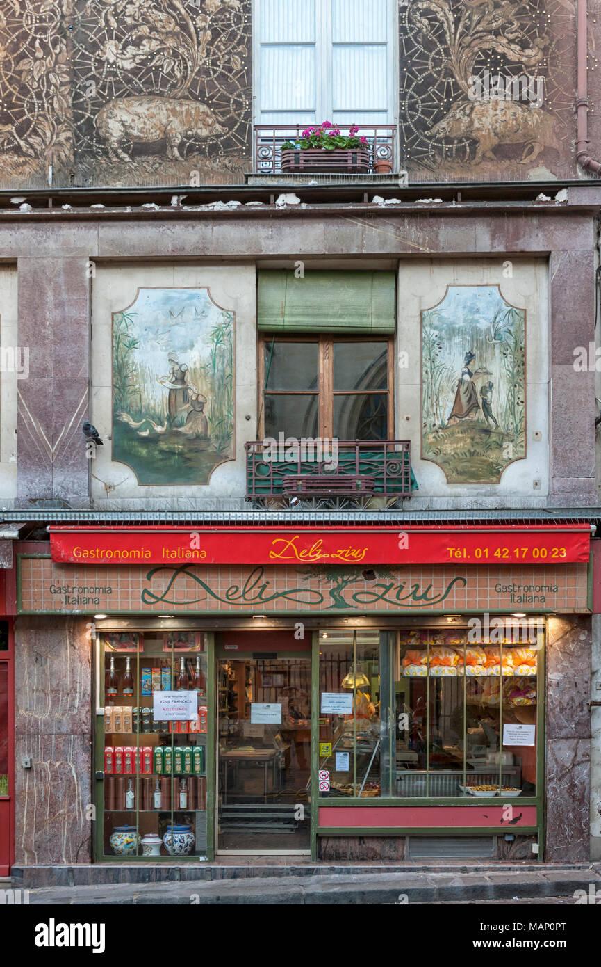 RUE MOUFFETARD, PARÍS, FRANCIA: La bonita Delizius Italan tienda de alimentos (gastronomia italiana) Imagen De Stock