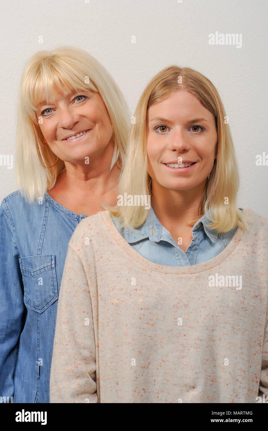 Madre e hija Senior Imagen De Stock