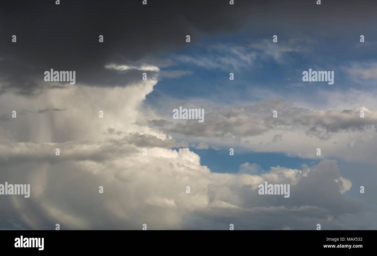 Grandes Nubes De Tormentas Para Los Fondos Las Nubes De Lluvia En