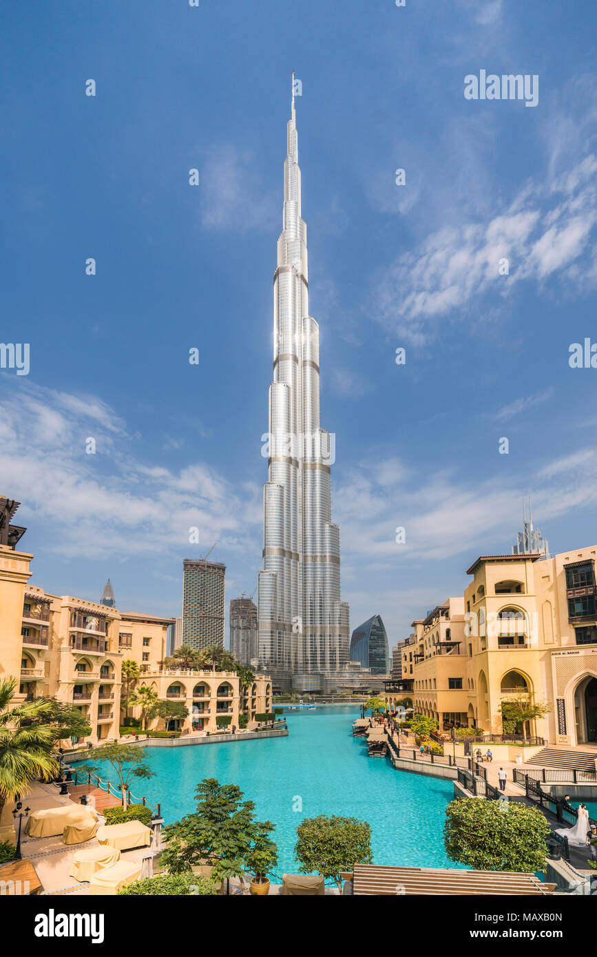 El Burj Khalifa edificio alto en el centro de Dubai, EAU, del Oriente Medio. Foto de stock