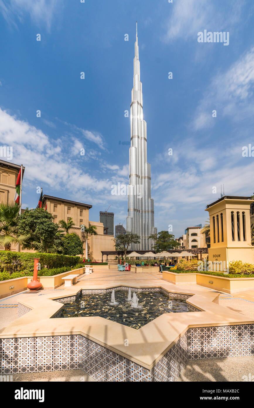 El Burj Khalifa edificio alto en el centro de Dubai, EAU, del Oriente Medio. Imagen De Stock