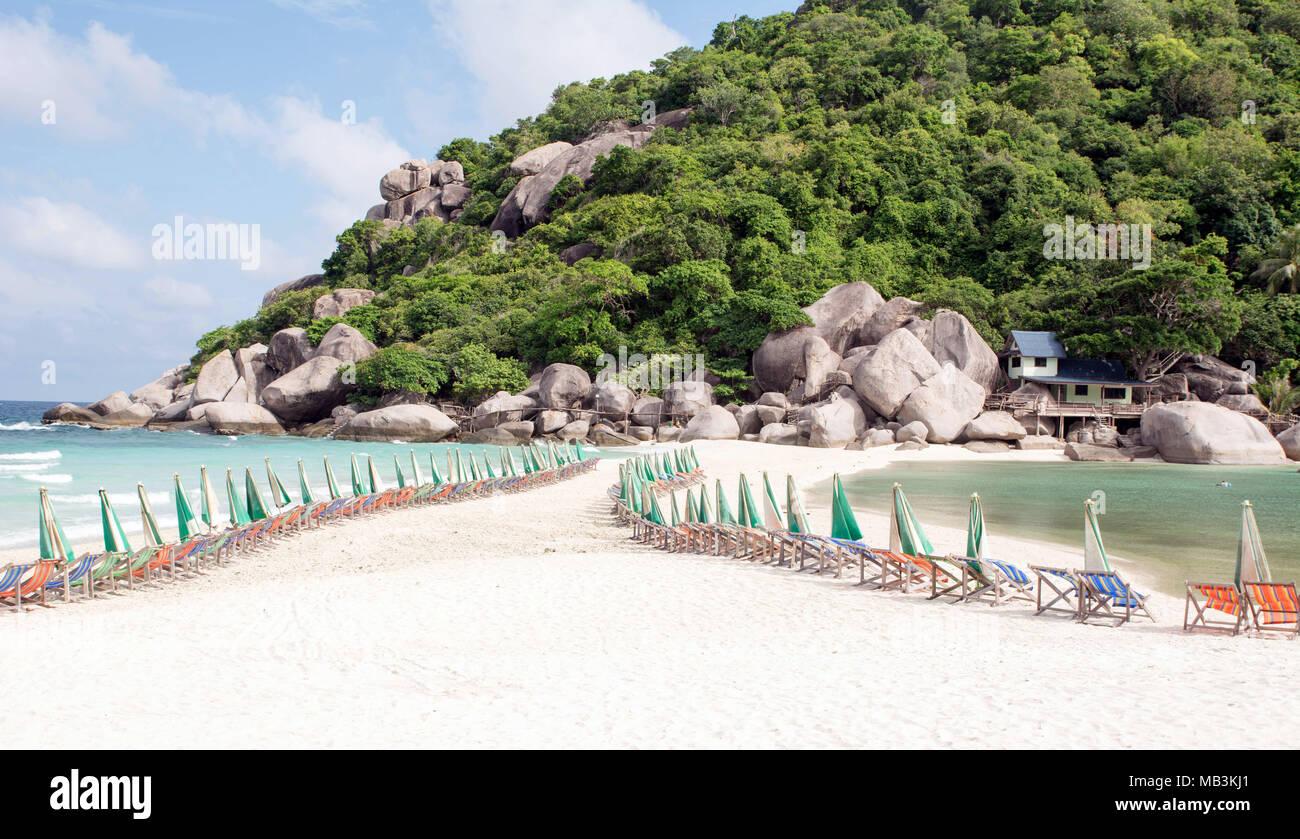 Mar Playa Y Paisaje Con Terraza De Madera Foto Imagen De