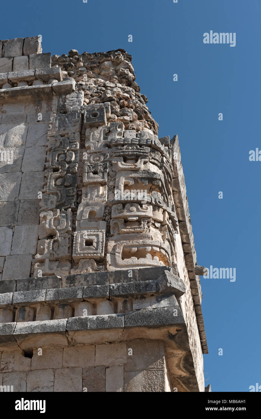Detalles de la arquitectura de estilo Puuc Maya en las ruinas de Uxmal, México Imagen De Stock