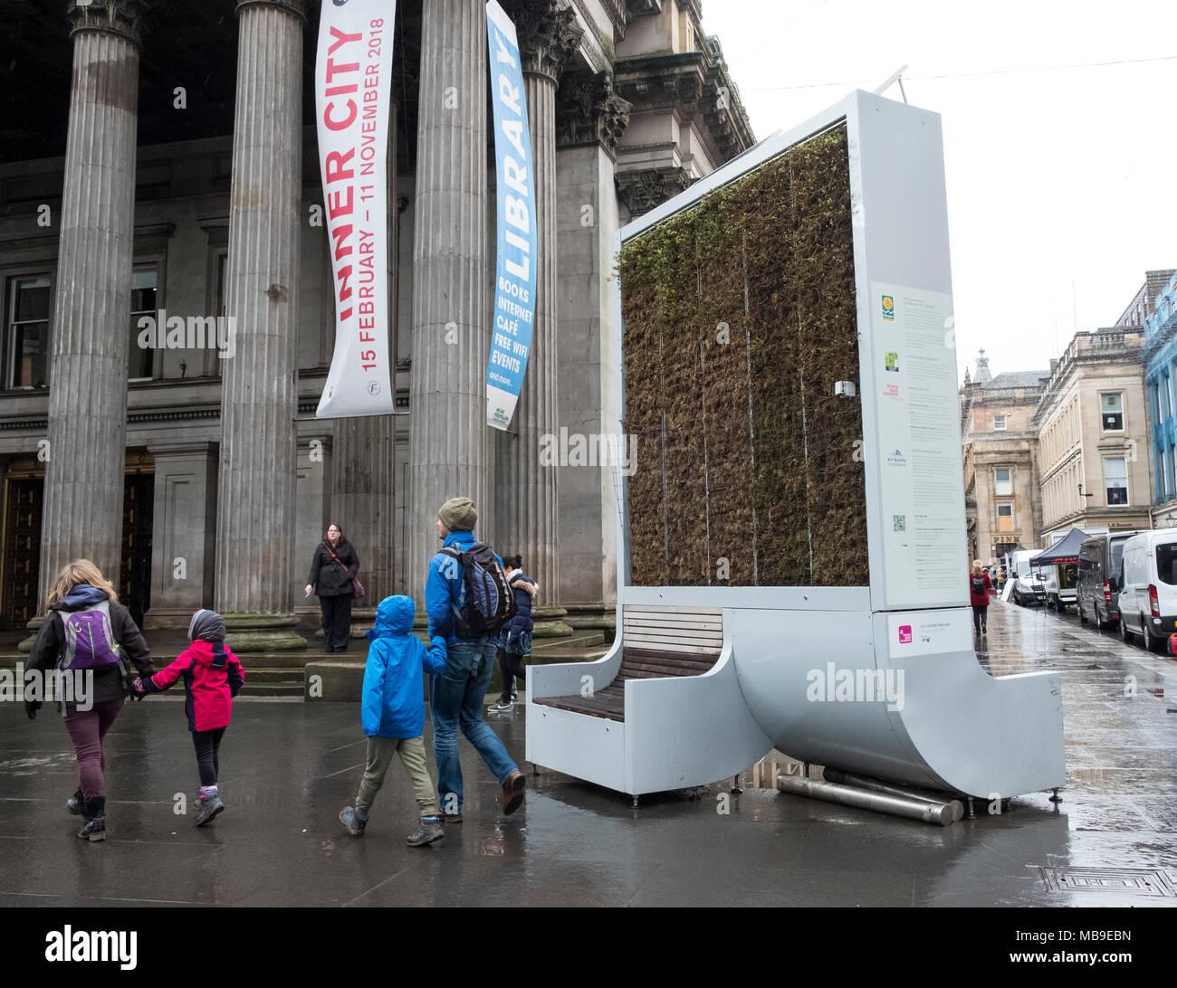 Gran Máquina purificadora de aire exterior en la calle en el centro de Glasgow, Escocia, Reino Unido Imagen De Stock