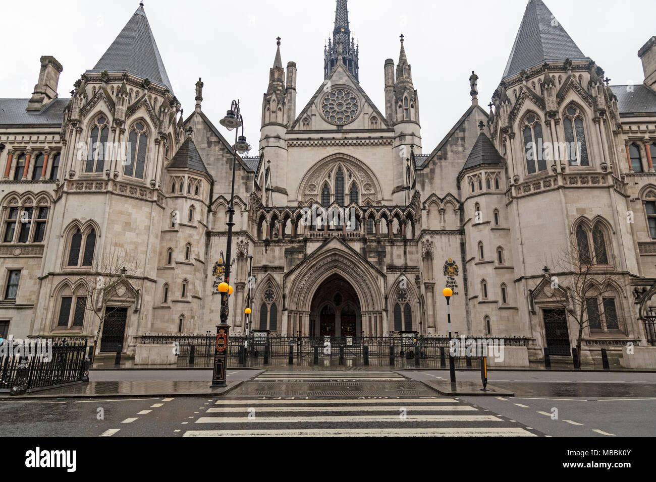 Las Cortes Reales de justicia en Strand en Londres, Inglaterra. Foto de stock