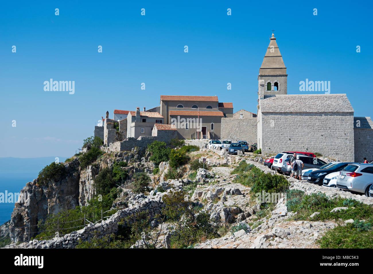 Iglesia parroquial de la santísima Virgen María, Lubenice, Isla de Cres, Golfo de Kvarner Bay, Croacia Imagen De Stock