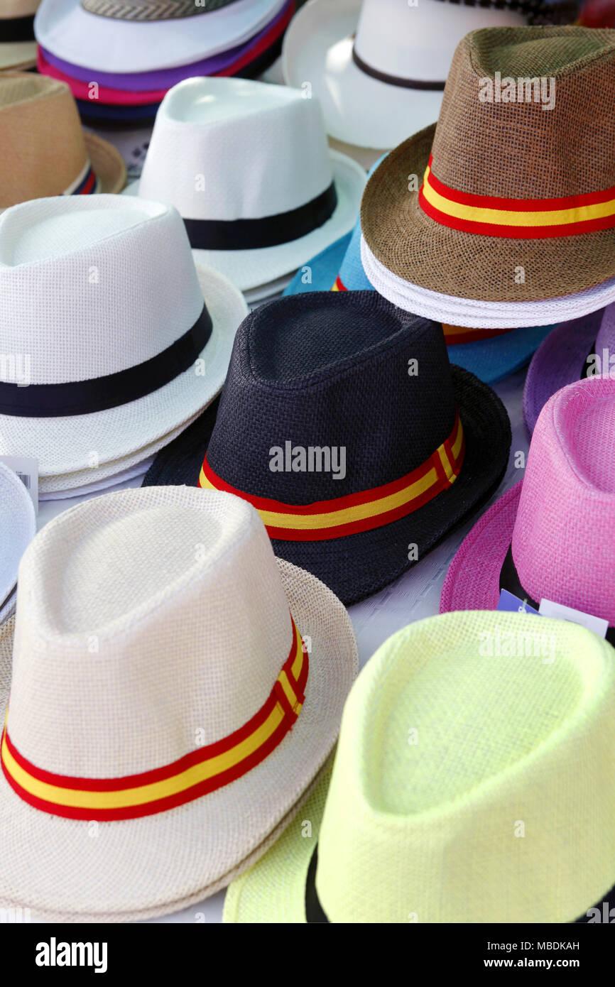 Straw Hats Imágenes De Stock   Straw Hats Fotos De Stock - Alamy eafb344aa08