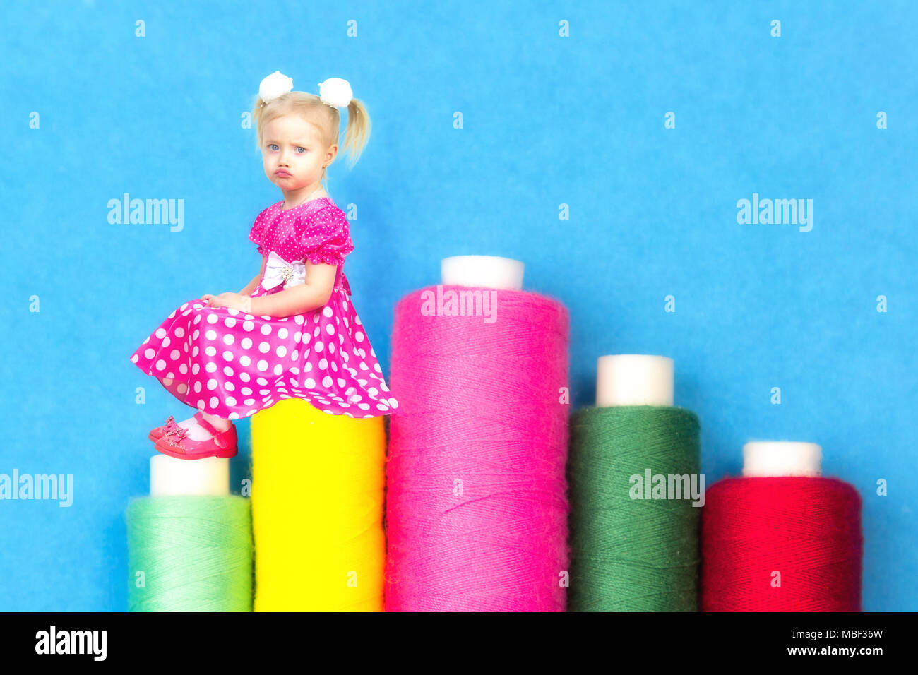 Puffed Dress Imágenes De Stock & Puffed Dress Fotos De Stock - Alamy