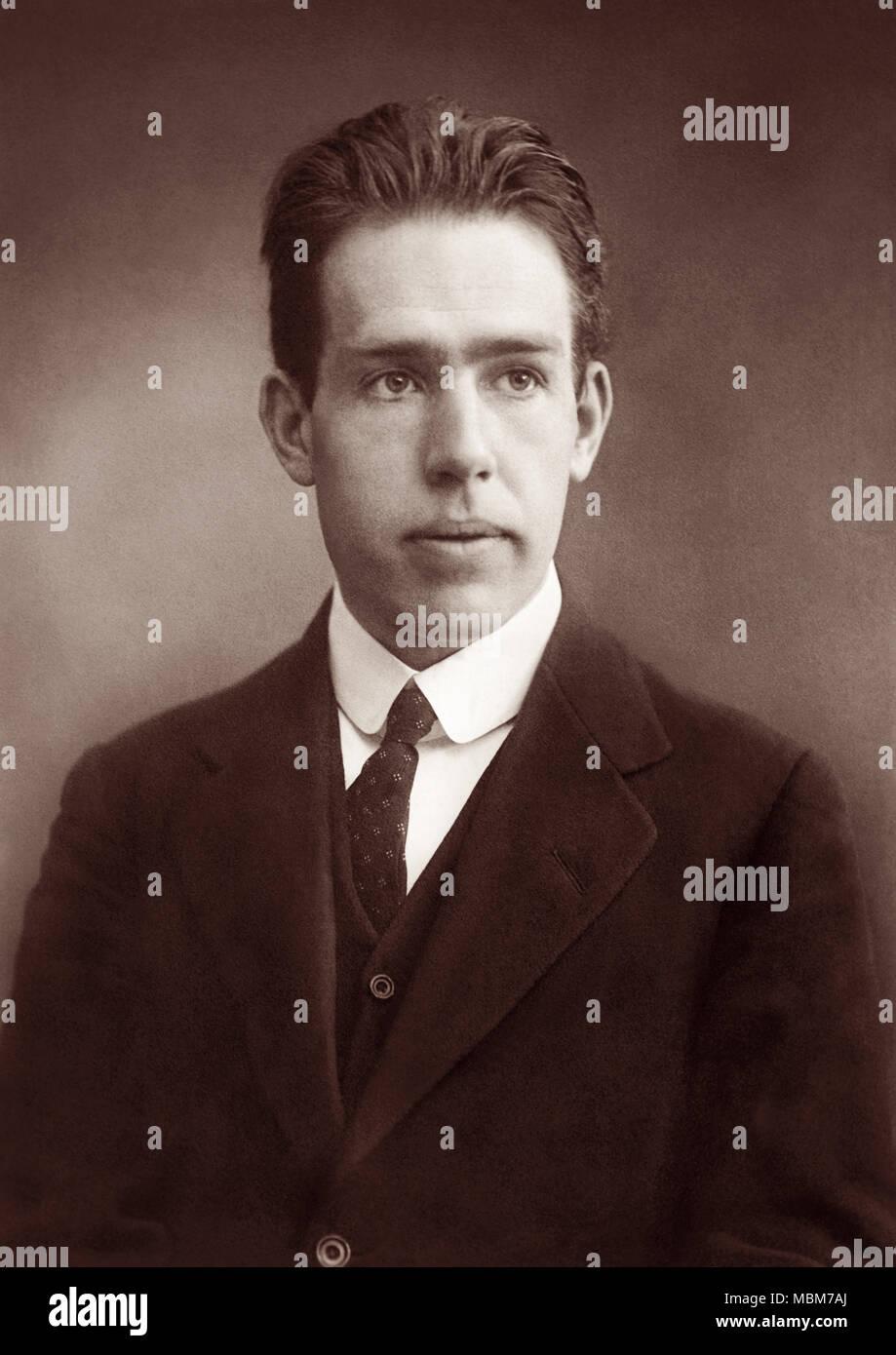Niels Bohr 1885 1962 Un Físico Danés Que Realizó