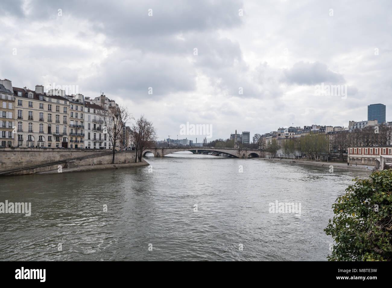 Francia Paris 1 De Abril De 2018 L Ile De La Cite Foto Imagen
