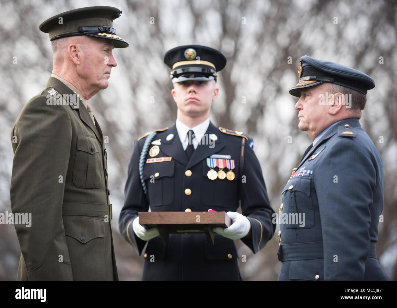 Air Chief Marshal Sir Stuart Peach Fotos e Imágenes de stock - Alamy