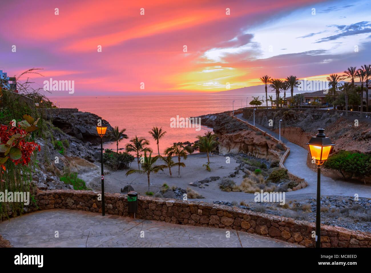 Playa Paraíso, Tenerife, Islas Canarias, España: hermoso atardecer en la Playa Las galgas Imagen De Stock