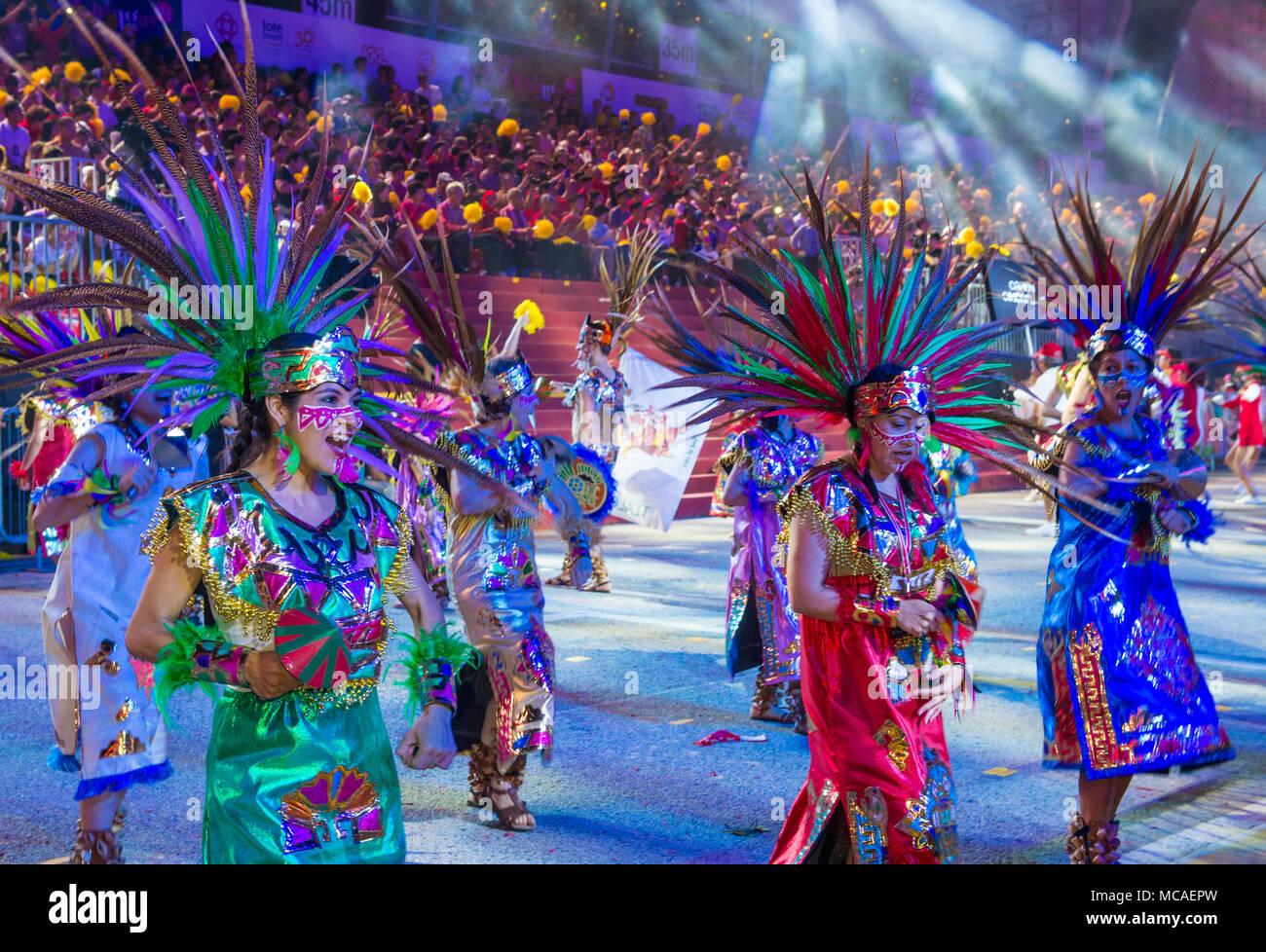 Singapur Feb 24 Los Participantes En El Desfile Chingay En