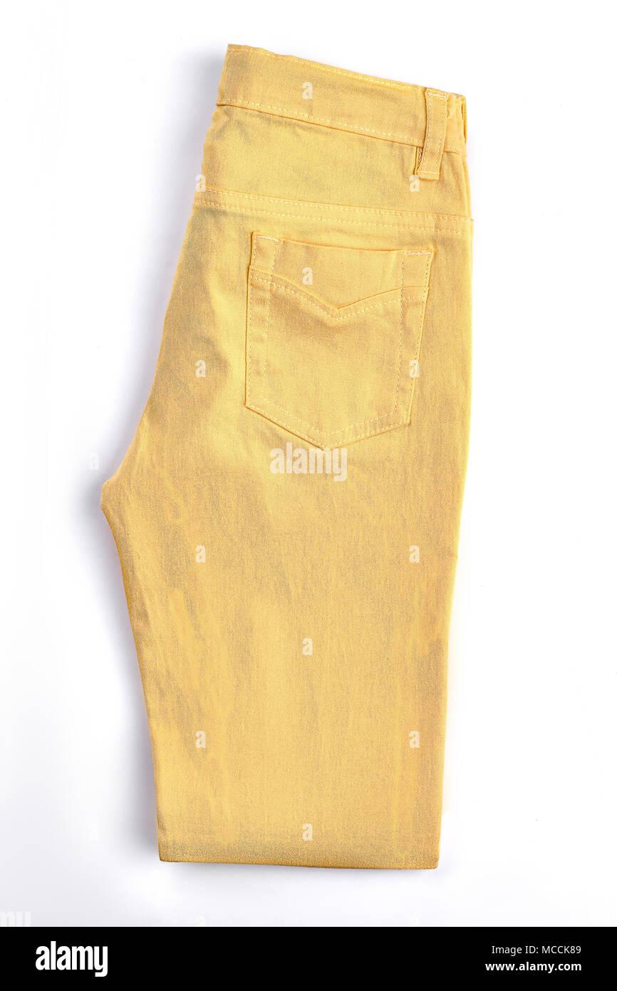 Bolsillos Femenino Unos Pantalones Amarillos Nueva Marca Plegados Los Pantalones De Algodon Para Ninas Aislado Sobre Fondo Blanco Tienda Joven Vestido Moderno Fotografia De Stock Alamy