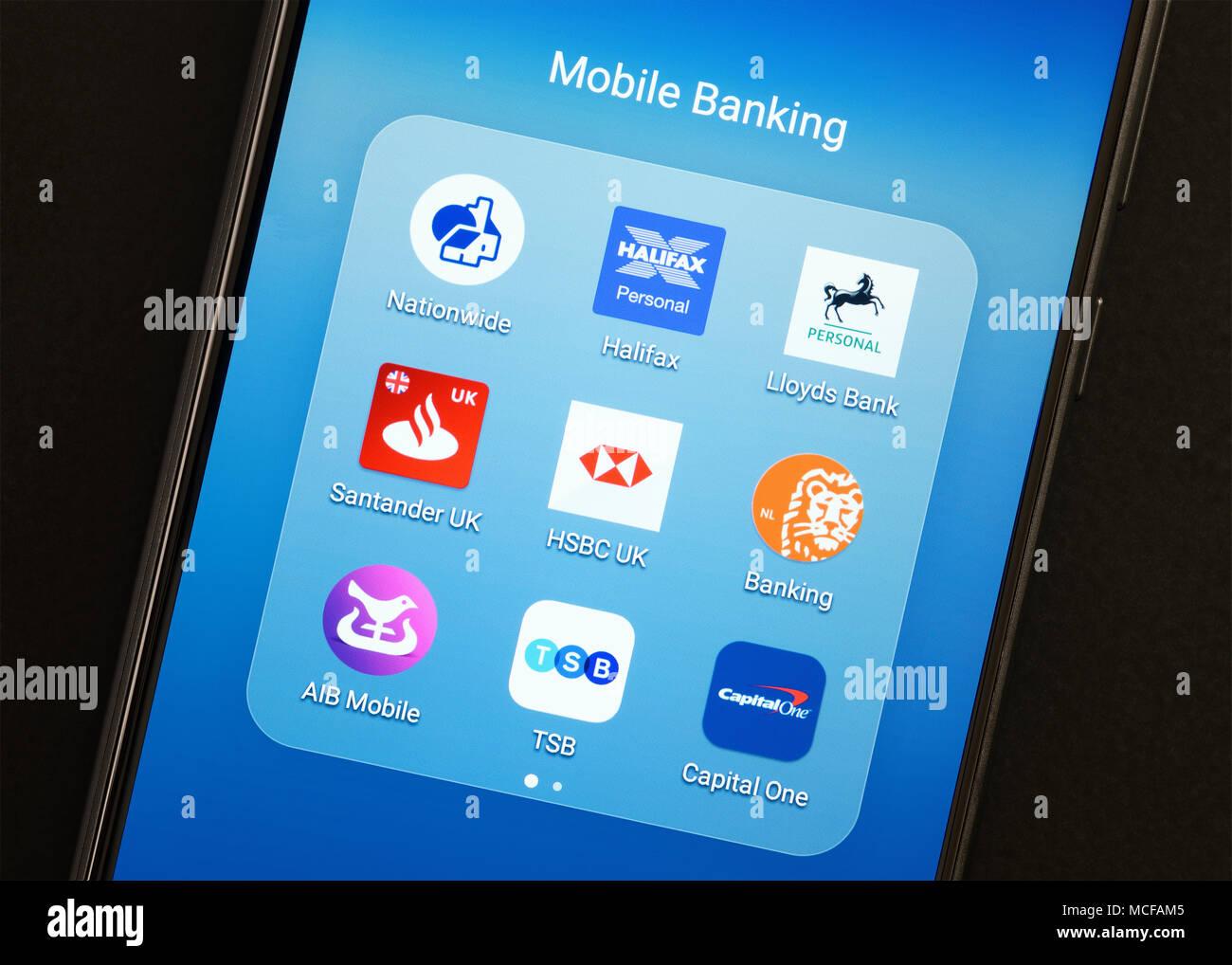 Aplicaciones bancarias en un Smartphone, REINO UNIDO Imagen De Stock