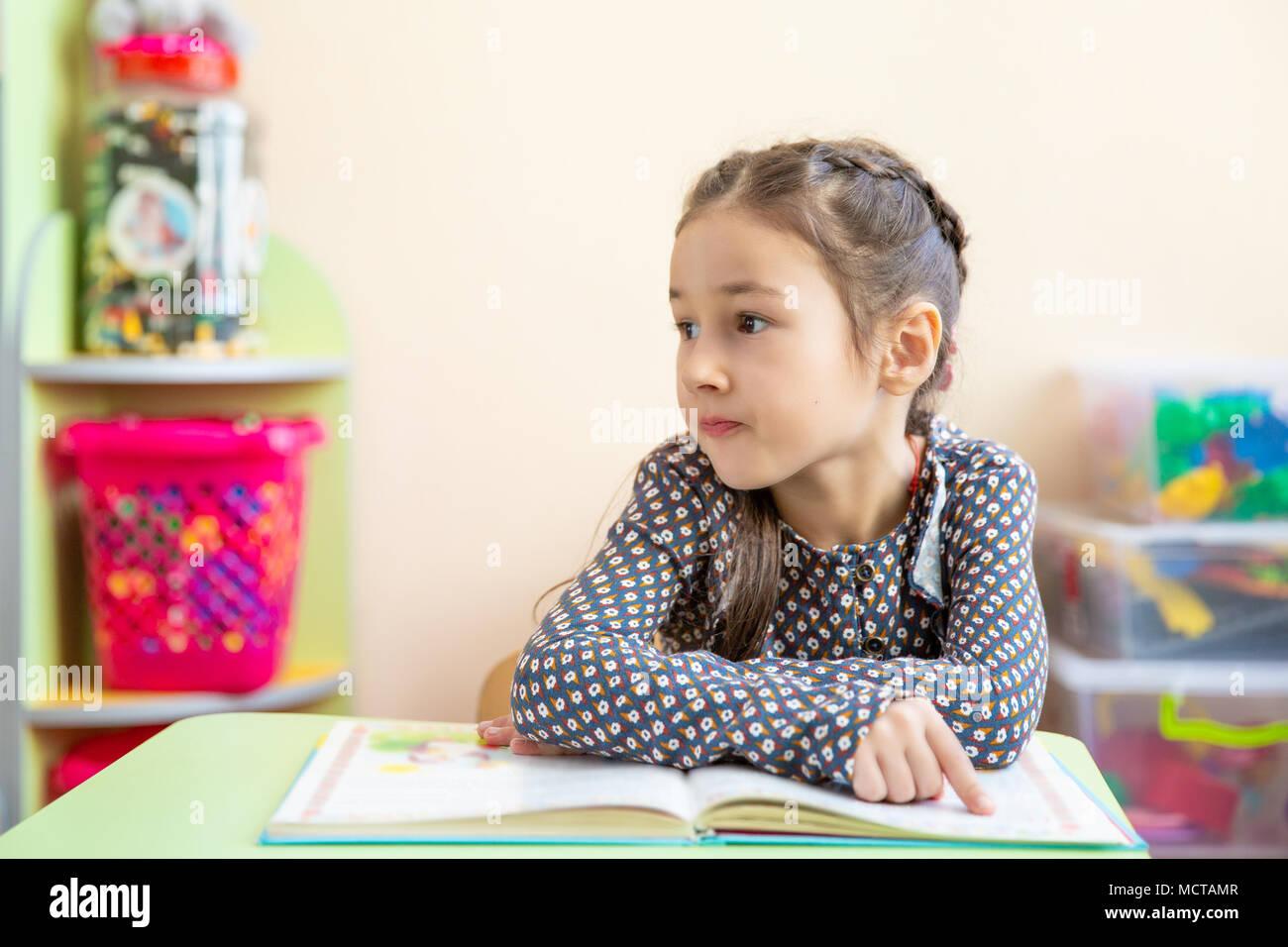 Encantador Niños Colorear Páginas Casa Friso - Dibujos Para Colorear ...