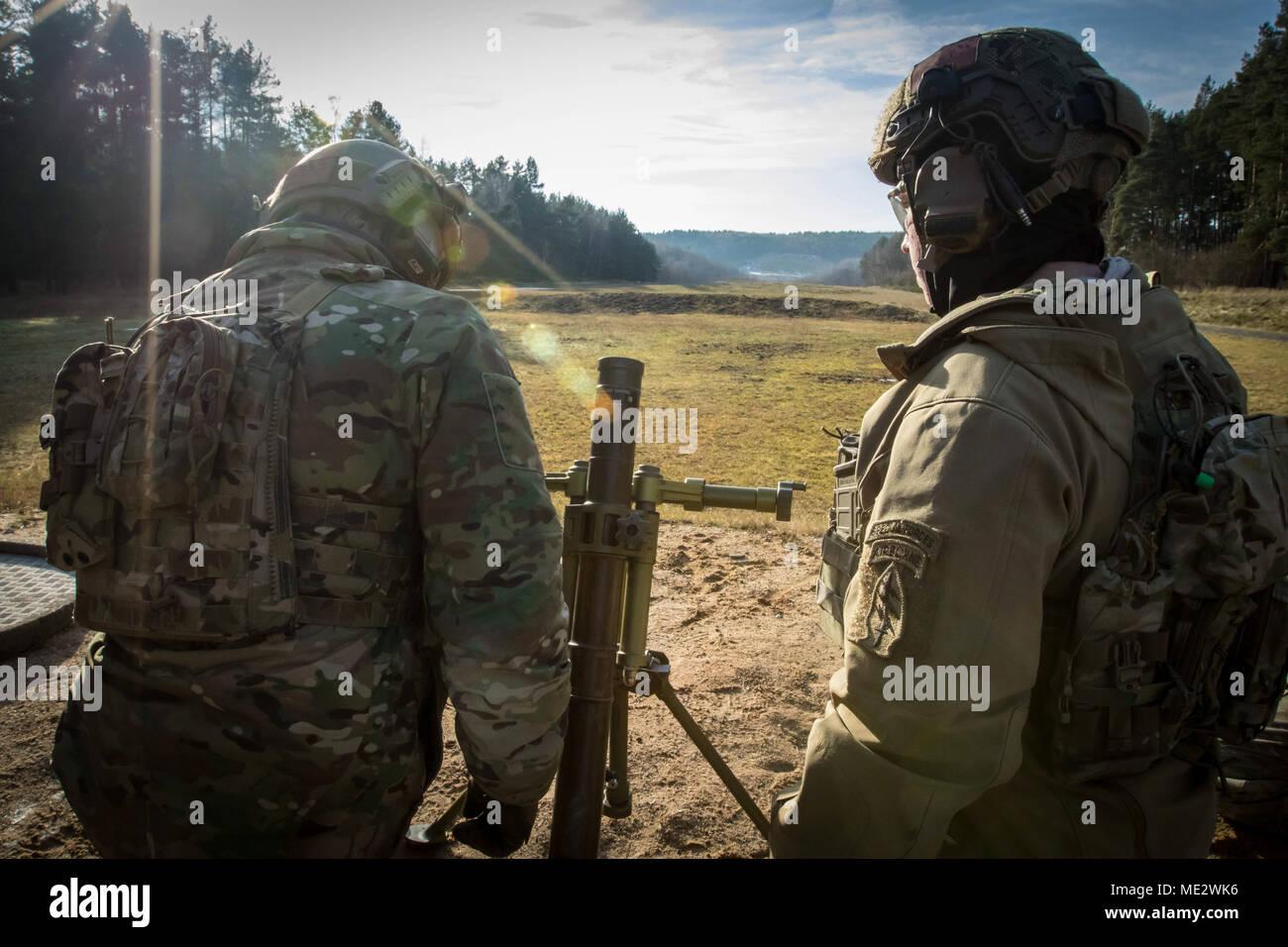 Fuerzas del ejército especial de EE.UU. militares asignados al 10º Grupo de  Fuerzas b6d917e6844