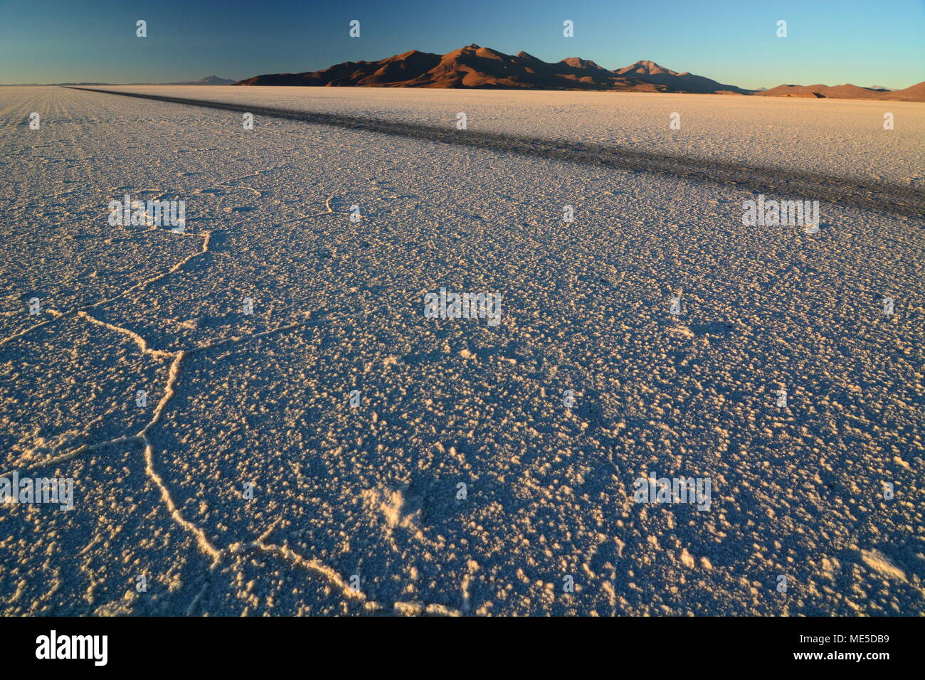Amanecer en el Salar de Uyuni. Bolivia Imagen De Stock