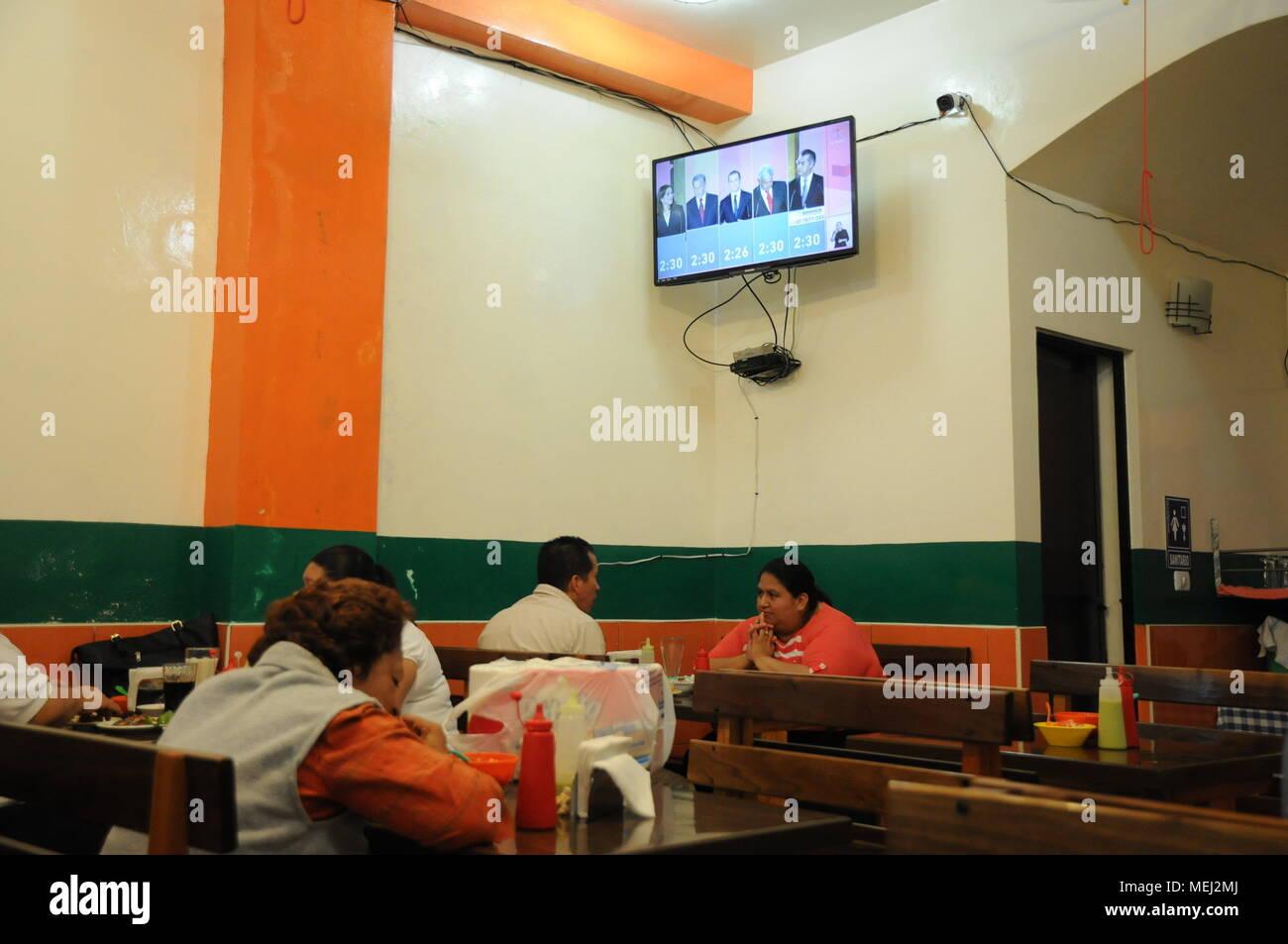 eac3e3e4de89 Una familia de relojes en la televisión el primer debate de los candidatos a  la Presidencia ...