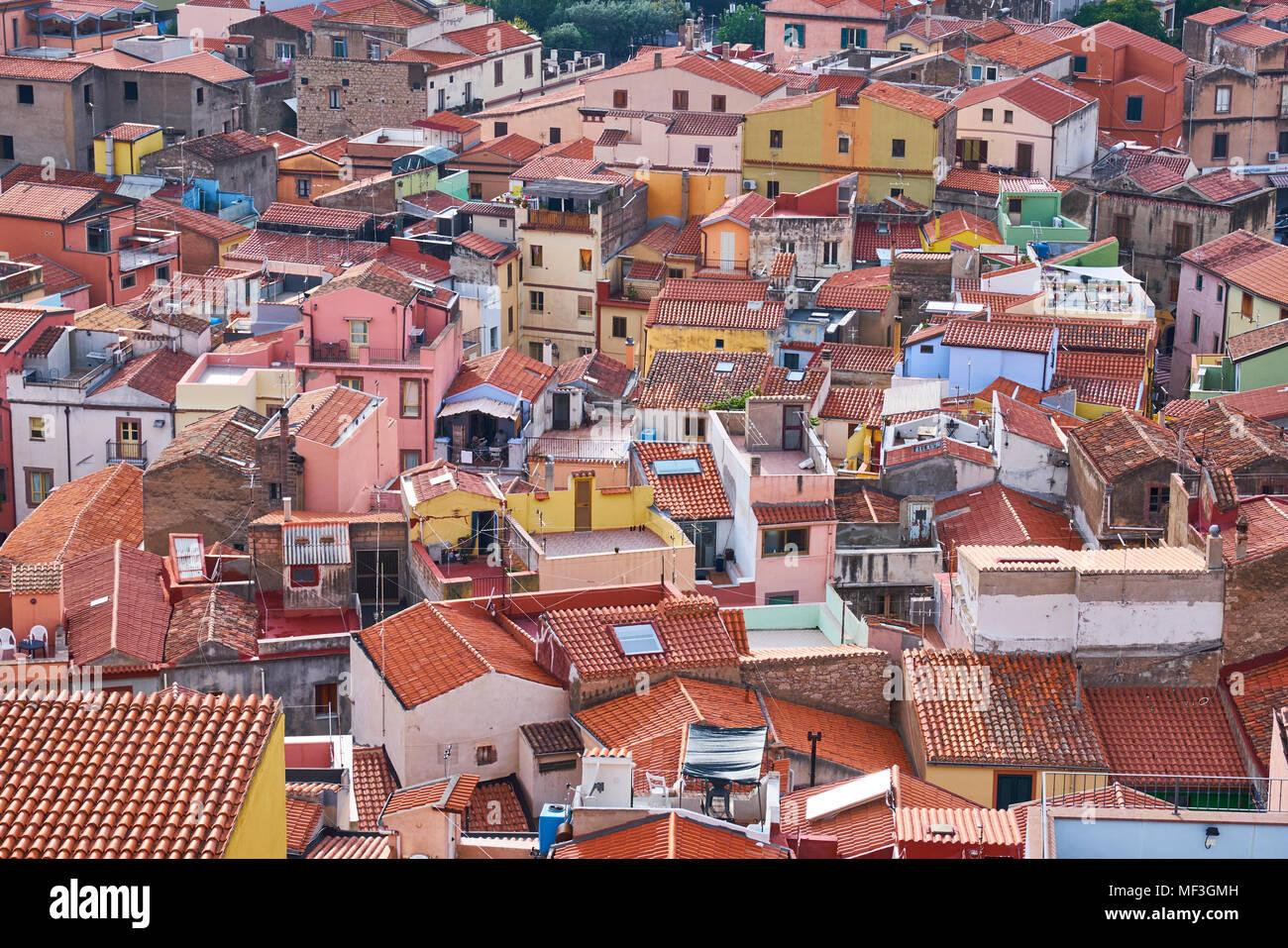 Italia, Cerdeña, Bosa, paisaje urbano Foto de stock