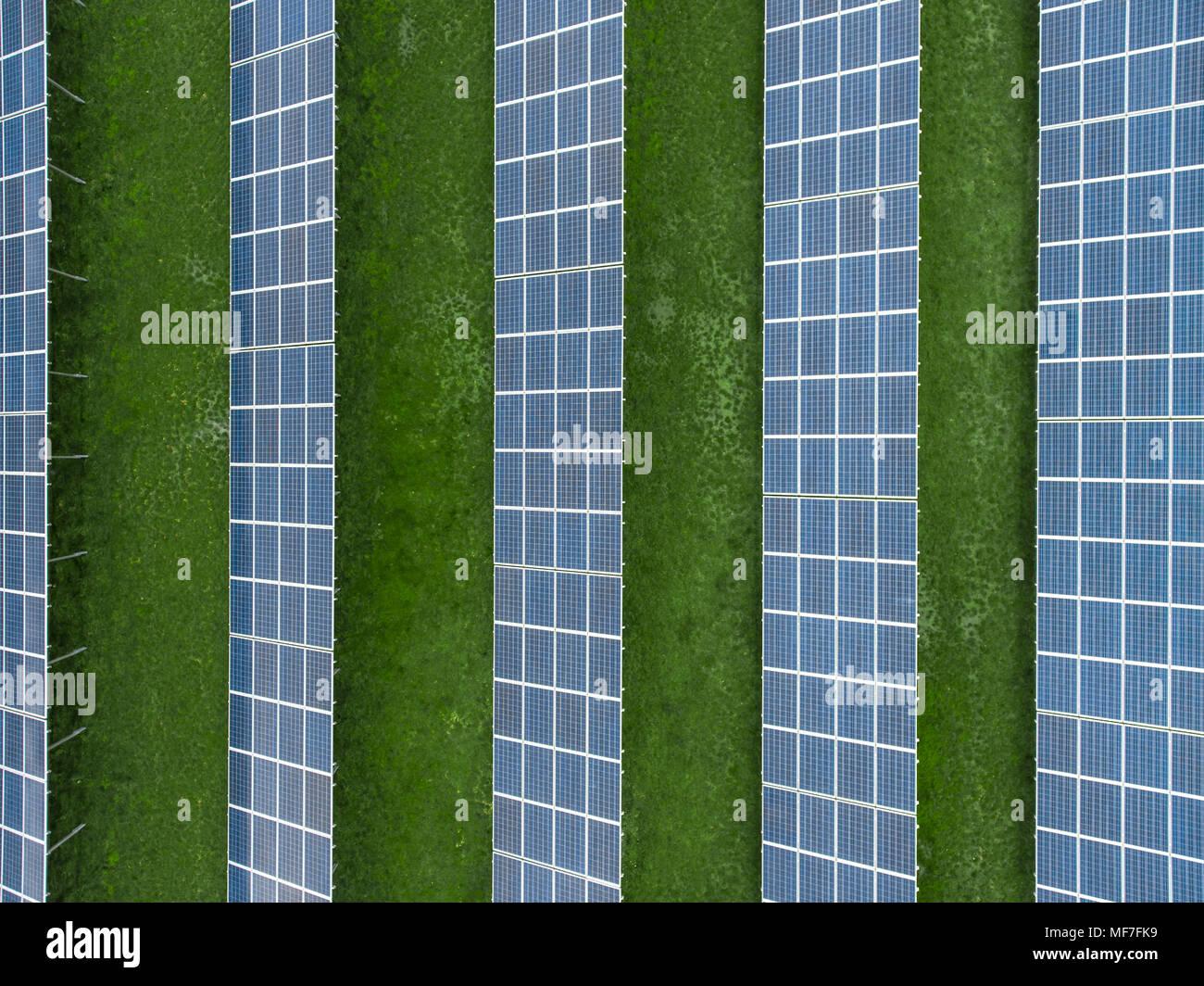 Alemania, Baviera, vista aérea de paneles solares Imagen De Stock