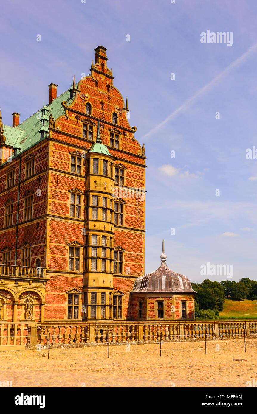 Frederiksborg Palace o el Castillo de Frederiksborg, Hillerod, Dinamarca. Ahora es un museo de historia nacional. Foto de stock