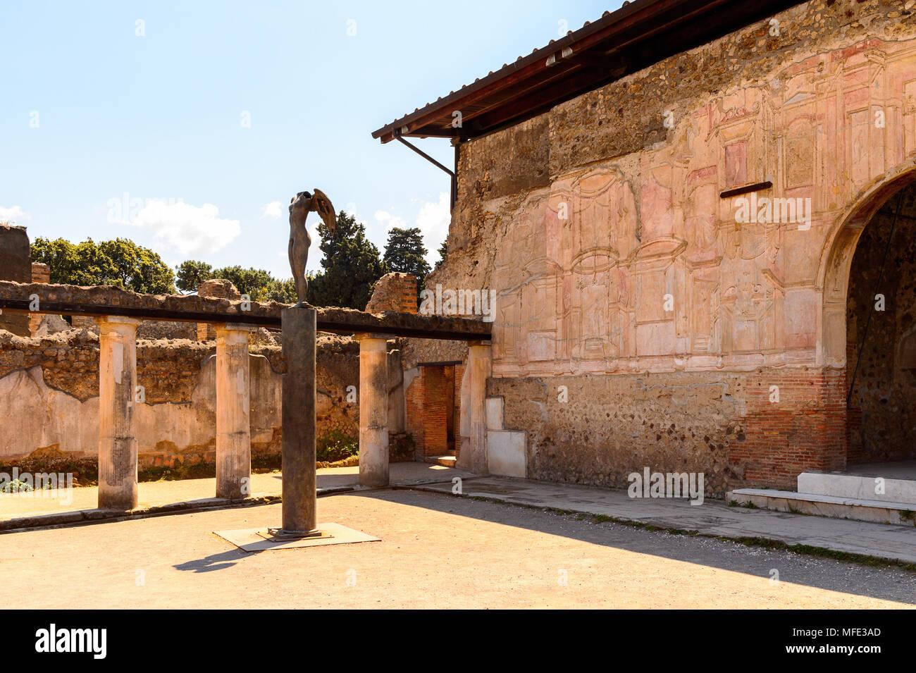 Pompeya, una antigua ciudad romana destruida por el volcán Vesubio. Sitio de Patrimonio Mundial de la UNESCO Imagen De Stock