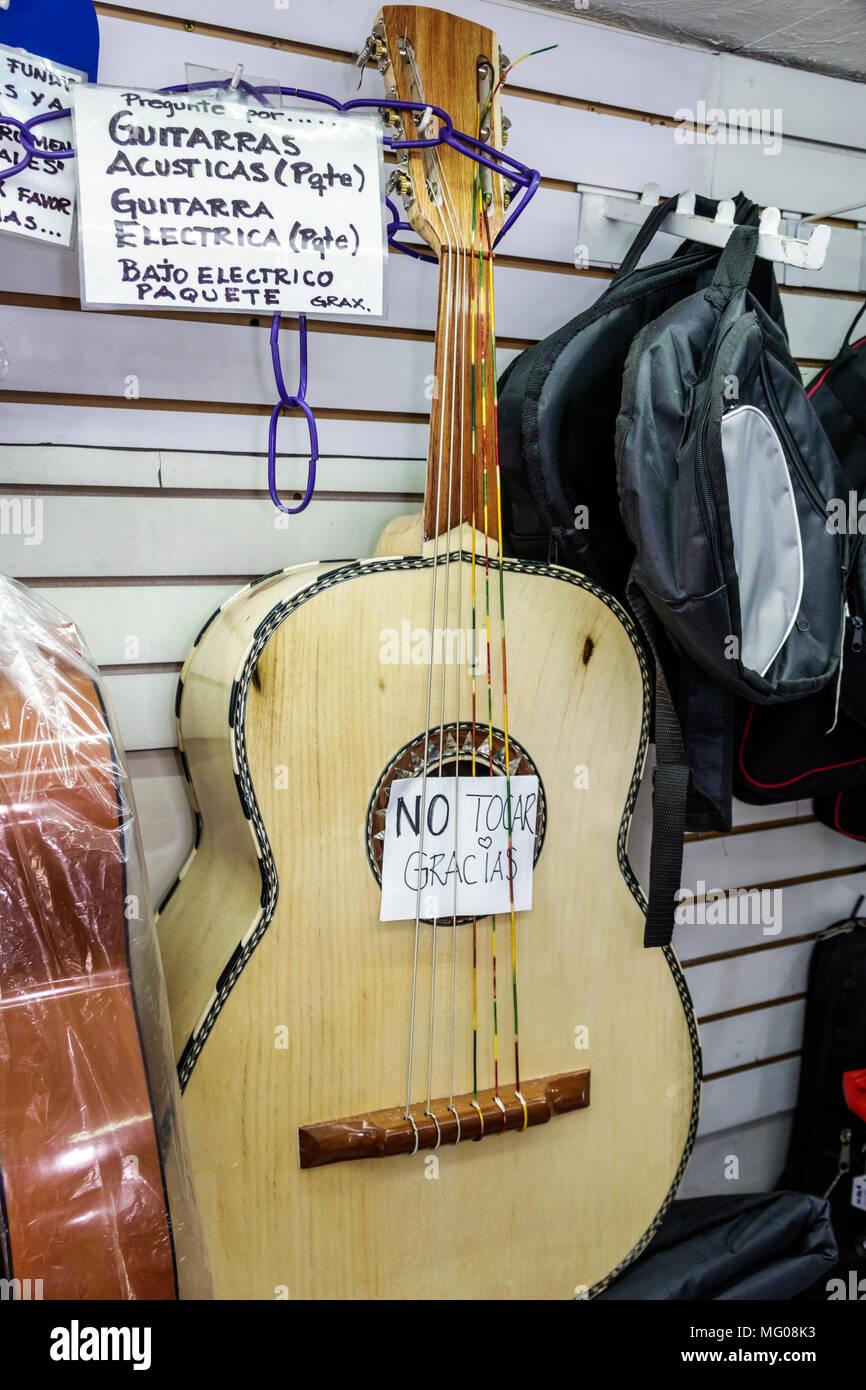258618cd26ac9 Ciudad de México Ciudad de México Distrito Federal Distrito DF D.F. CDMX  Hispano mexicano Centro Historico Centro Histórico Calle Bolívar tiendas ...