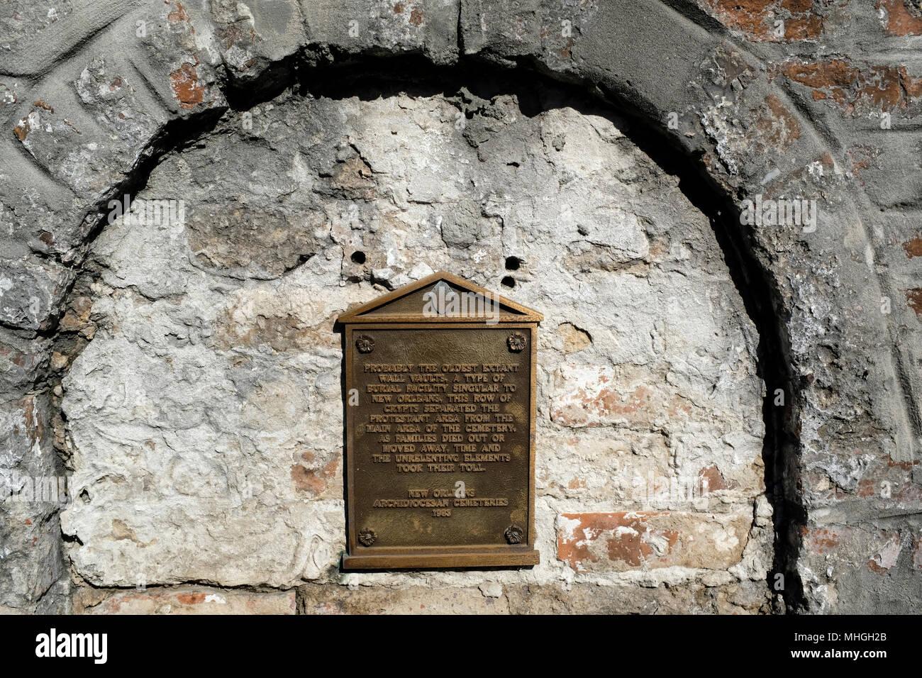 Antiguo almacén de pared en el cementerio de San Luis número 1, Nueva Orleans, Luisiana Imagen De Stock