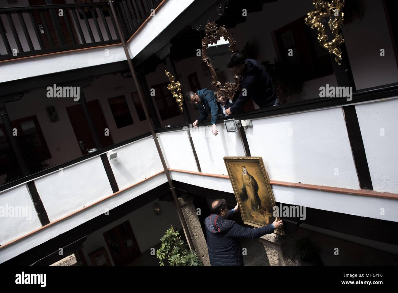Granada España El 1 De Mayo De 2018 La Gente Intenta