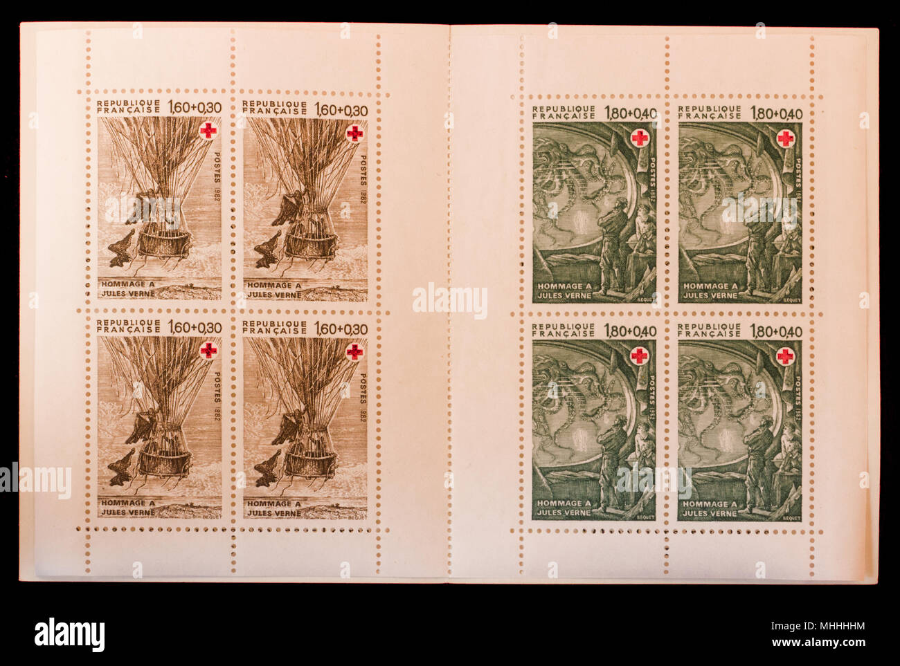 Serie de sellos emitidos por las oficinas de correos francés, homenaje al escritor Julio Verne, año 1982 Imagen De Stock