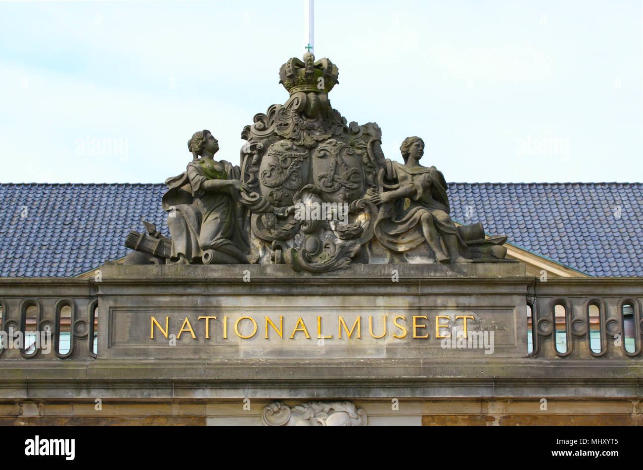 Copenhague, Dinamarca - 3 de mayo de 2018: El Museo Nacional de Dinamarca en Copenhague, Dinamarca es más importante y más grande museo histórico y cultural com Foto de stock