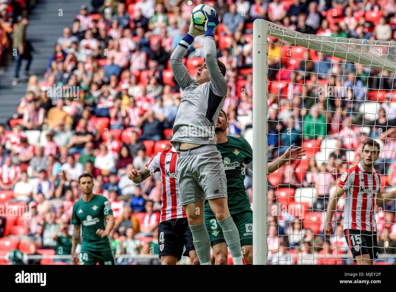 Portero del Athletic Kepa Arrizabalaga (delantero) en acción durante un  partido de la Liga 1cfadf89512f3