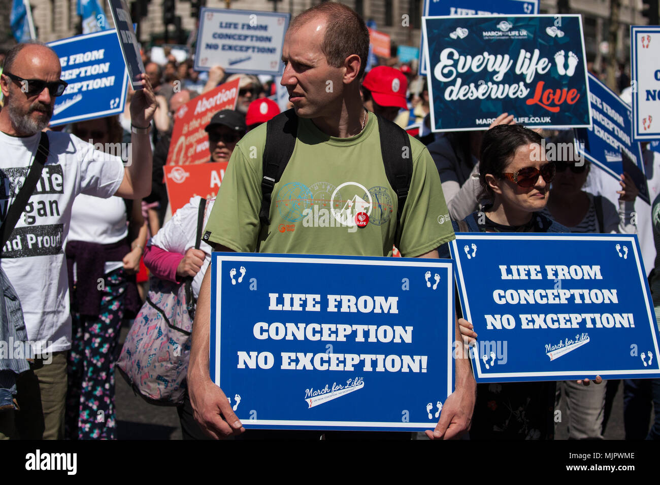Londres, Reino Unido. 5 de mayo, 2018. Pro-condenados participar en la primera marcha por la vida en el Reino Unido a través del centro de Londres. Crédito: Mark Kerrison/Alamy Live News Foto de stock