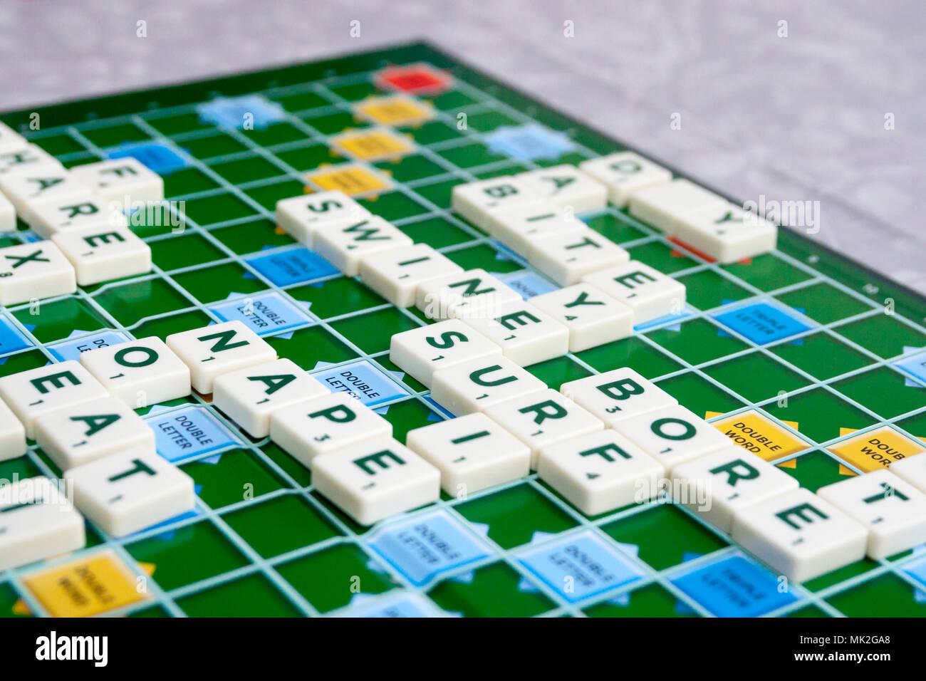Los Ninos Los Ninos De La Familia Juego De Tablero Scrabble Juego
