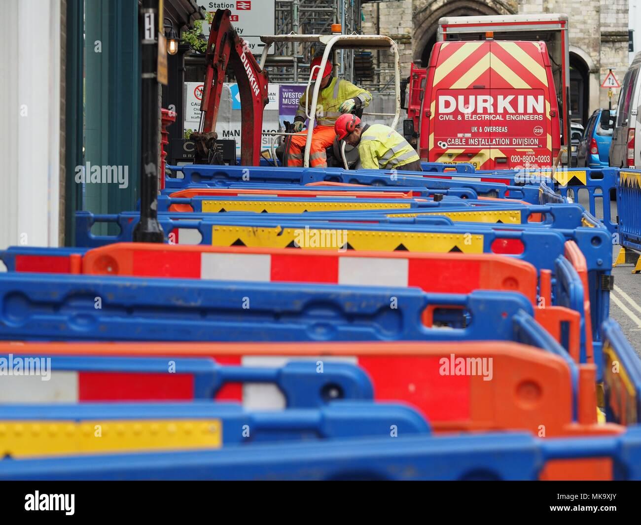 Mejoras de pavimento Winchester extensa labor, los comerciantes afectados por las mejoras Imagen De Stock