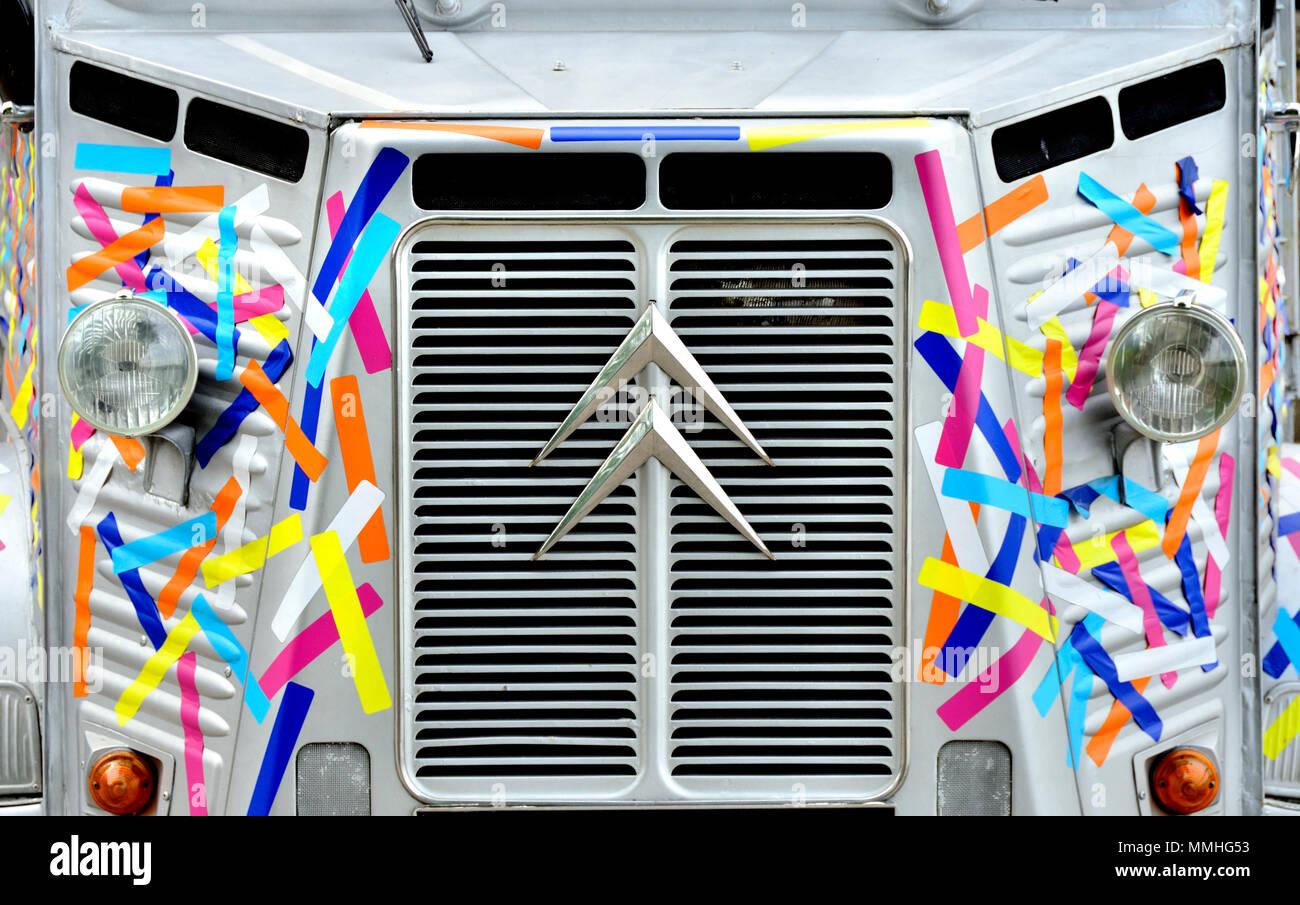 Coloridamente decoradas Citroed HY van en Londres, Inglaterra, Reino Unido. Foto de stock