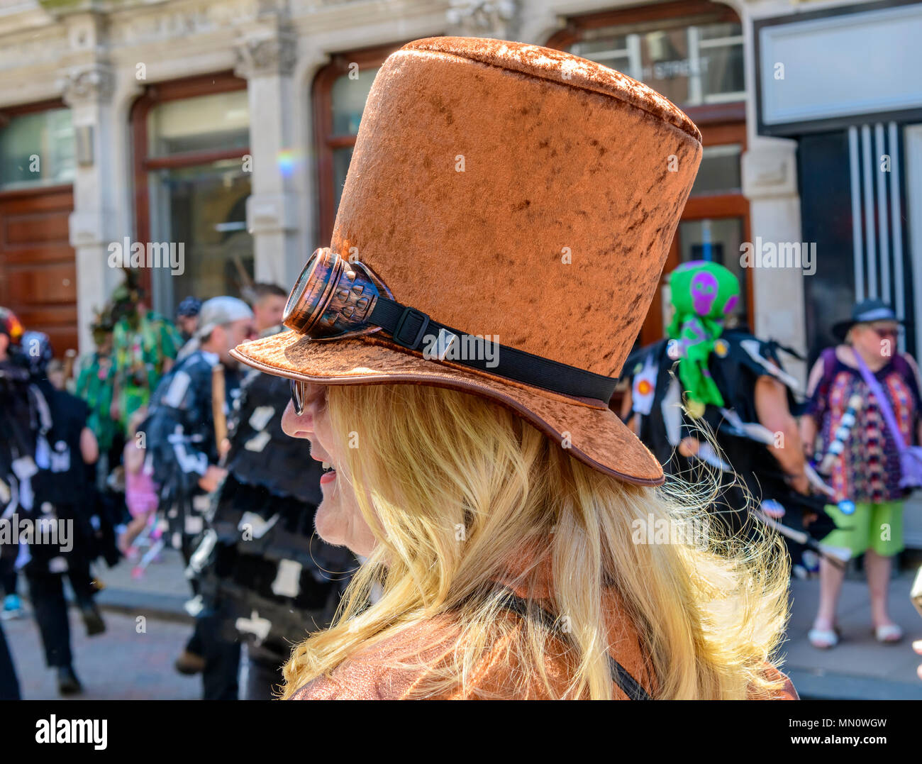 Funny Headgear Imágenes De Stock   Funny Headgear Fotos De Stock - Alamy 04aefd8f9d0