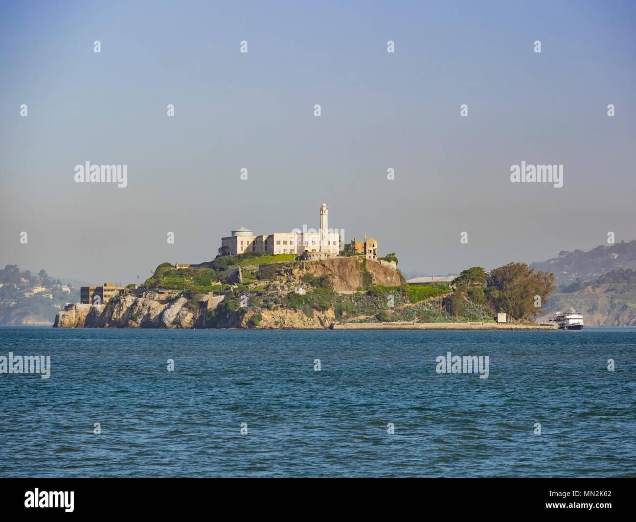 La famosa y bella Isla de Alcatraz de San Francisco. Foto de stock